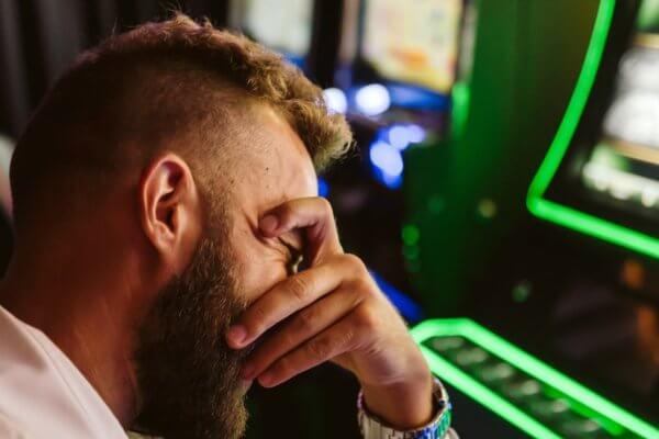 Nekaltas žaidimas pavirto tragedija: Jokūbas papasakojo, kaip atrodo dugnas, kai žemiau kristi jau nebėra kur